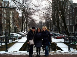 Tiffany, Ania & I burned some calories keeping warm in the cold!